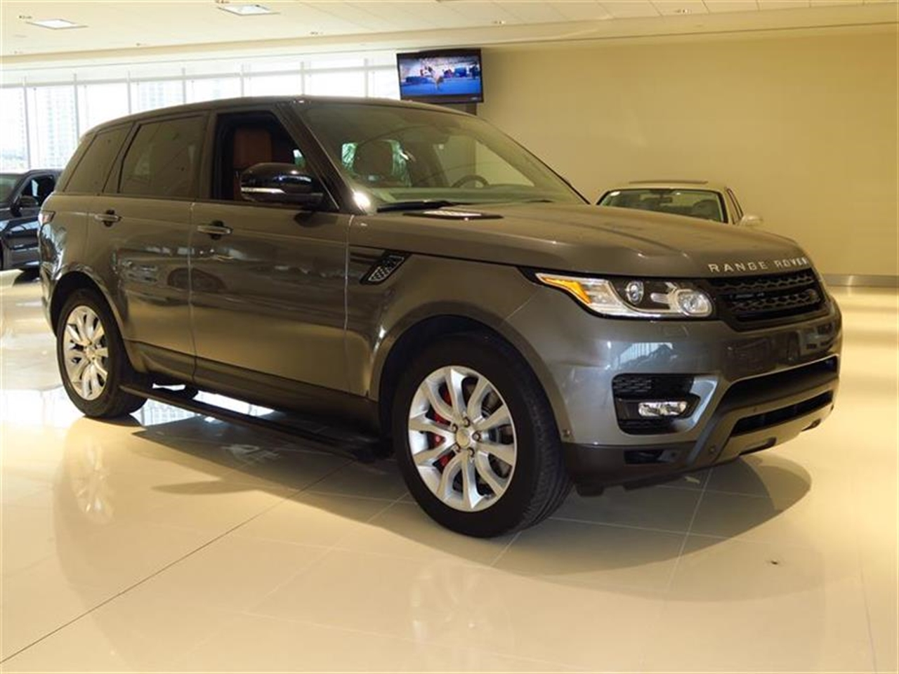 2014 LAND ROVER RANGE ROVER SPORT 4WD 4dr Supercharged 7211 miles 3 12V DC Power Outlets 5 Person