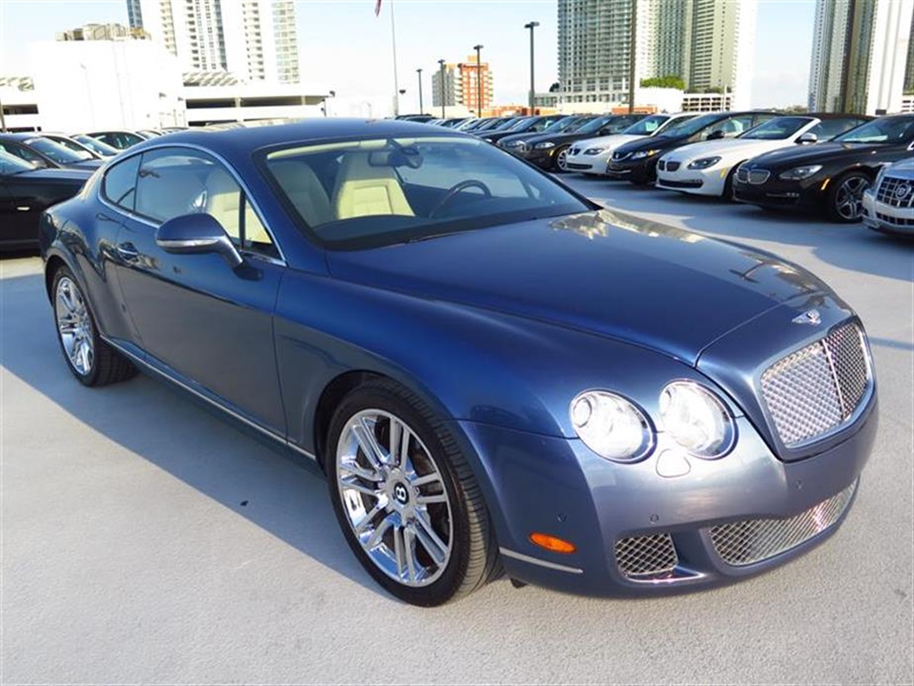2010 BENTLEY CONTINENTAL GT 2dr Cpe 6915 miles 4-spoke monotone leather trimmed steering wheel Cr