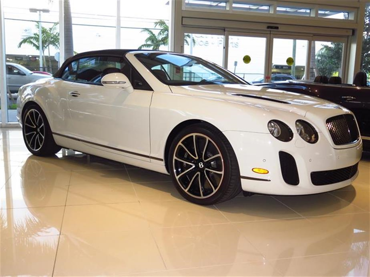 2013 BENTLEY CONTINENTAL SUPERSPORTS 2dr Conv Supersports ISR 13292 miles 3-spoke single-tone lea