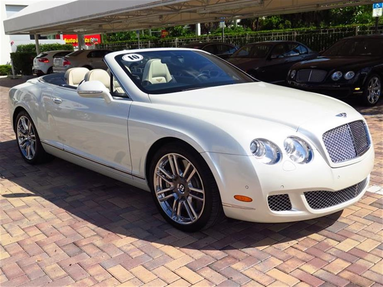 2010 BENTLEY CONTINENTAL GTC 2dr Conv 7022 miles 4-spoke monotone leather trimmed steering wheel