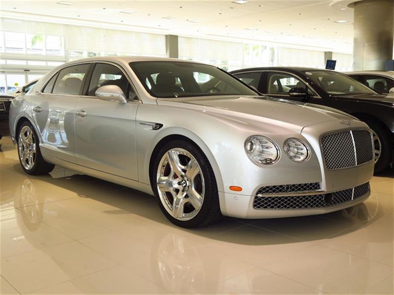2014 BENTLEY FLYING SPUR 4dr Sdn 2323 miles 10-Way Power Driver Seat -inc Power Recline Height
