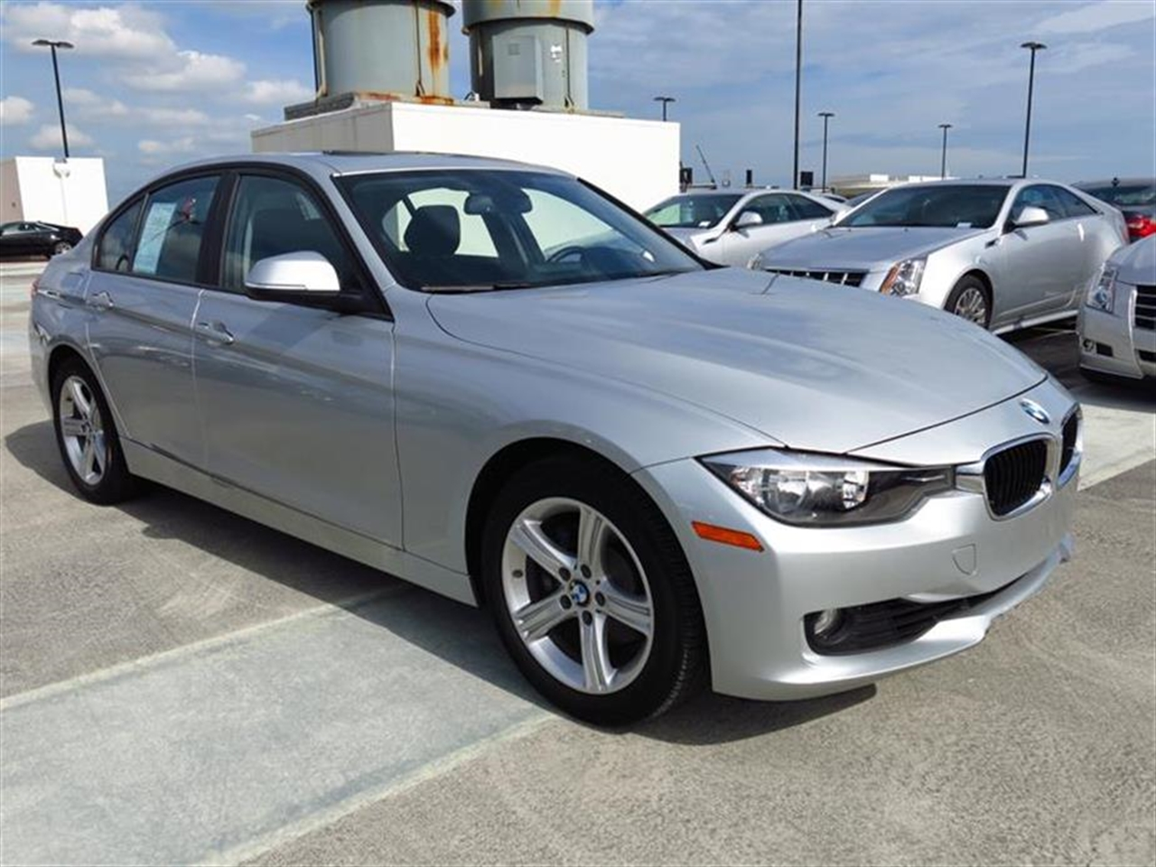 2013 BMW 3 SERIES 4dr Sdn 328i RWD 16748 miles 2-way headrests with active head restraints 3-spo