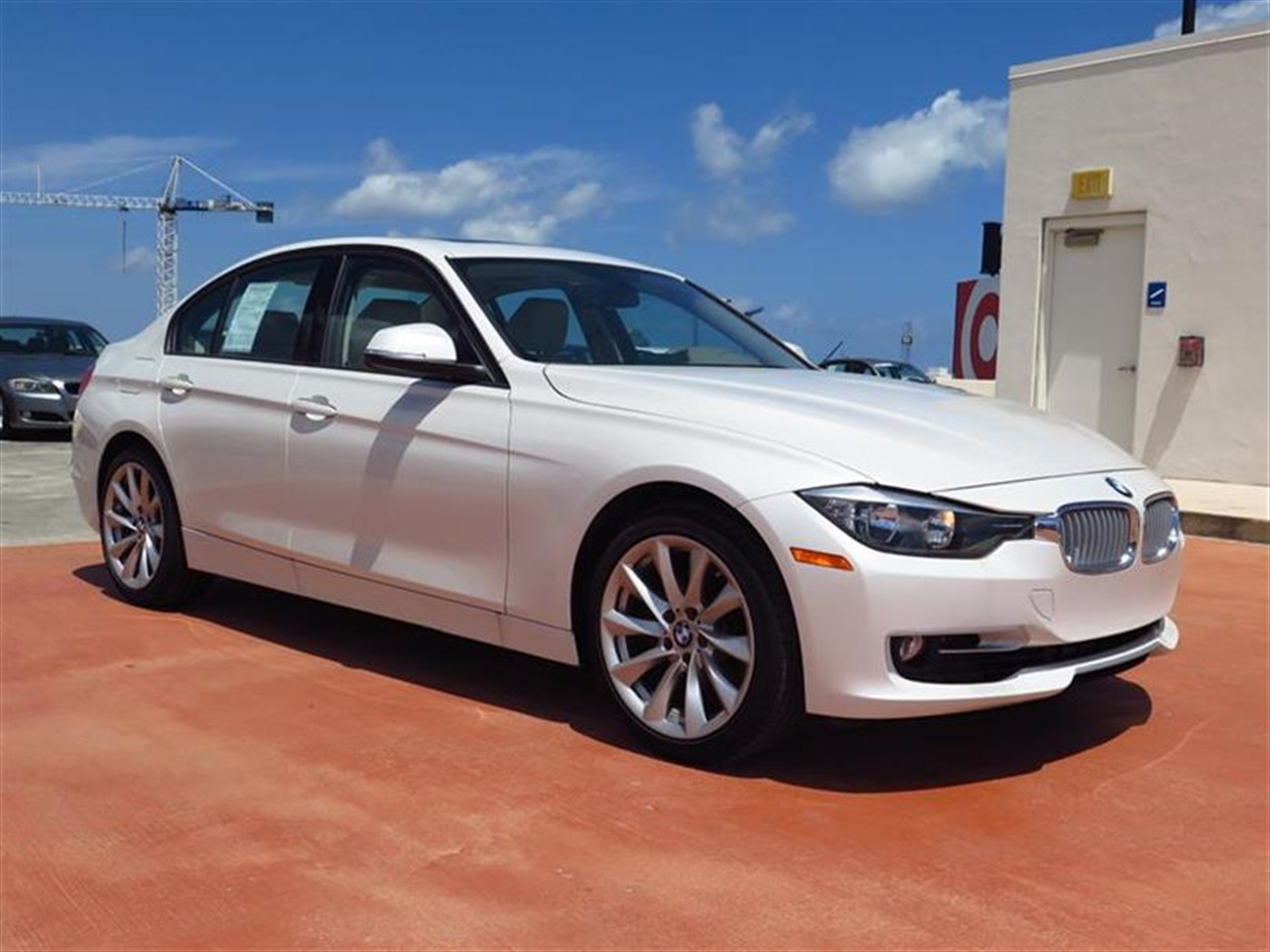 2013 BMW 3 SERIES 4dr Sdn 328i RWD 20499 miles 2-way headrests with active head restraints 3-spo