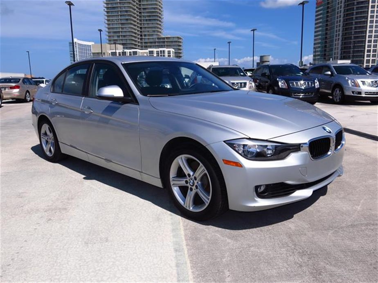 2013 BMW 3 SERIES 4dr Sdn 328i RWD 14832 miles 2-way headrests with active head restraints 3-spo
