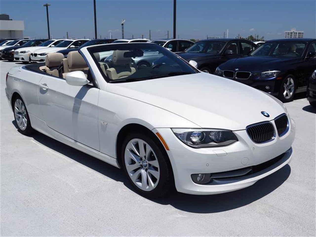2012 BMW 3 SERIES 2dr Conv 328i 8138 miles 10-way power front bucket seats with 2-way manual head