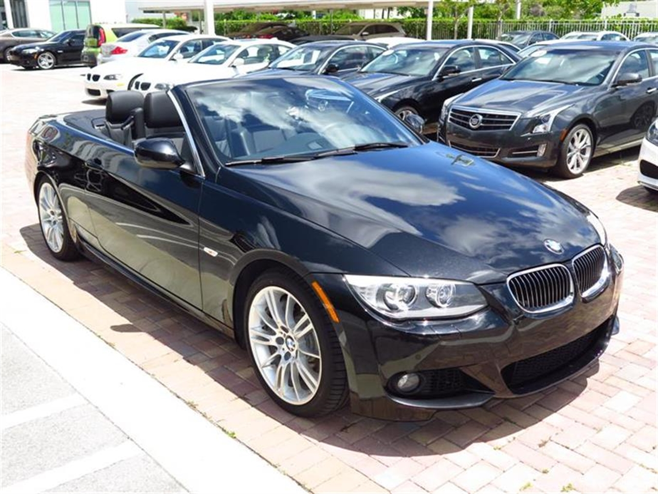 2012 BMW 3 SERIES 2dr Conv 335i 14914 miles 10-way power front bucket seats with 2-way manual hea