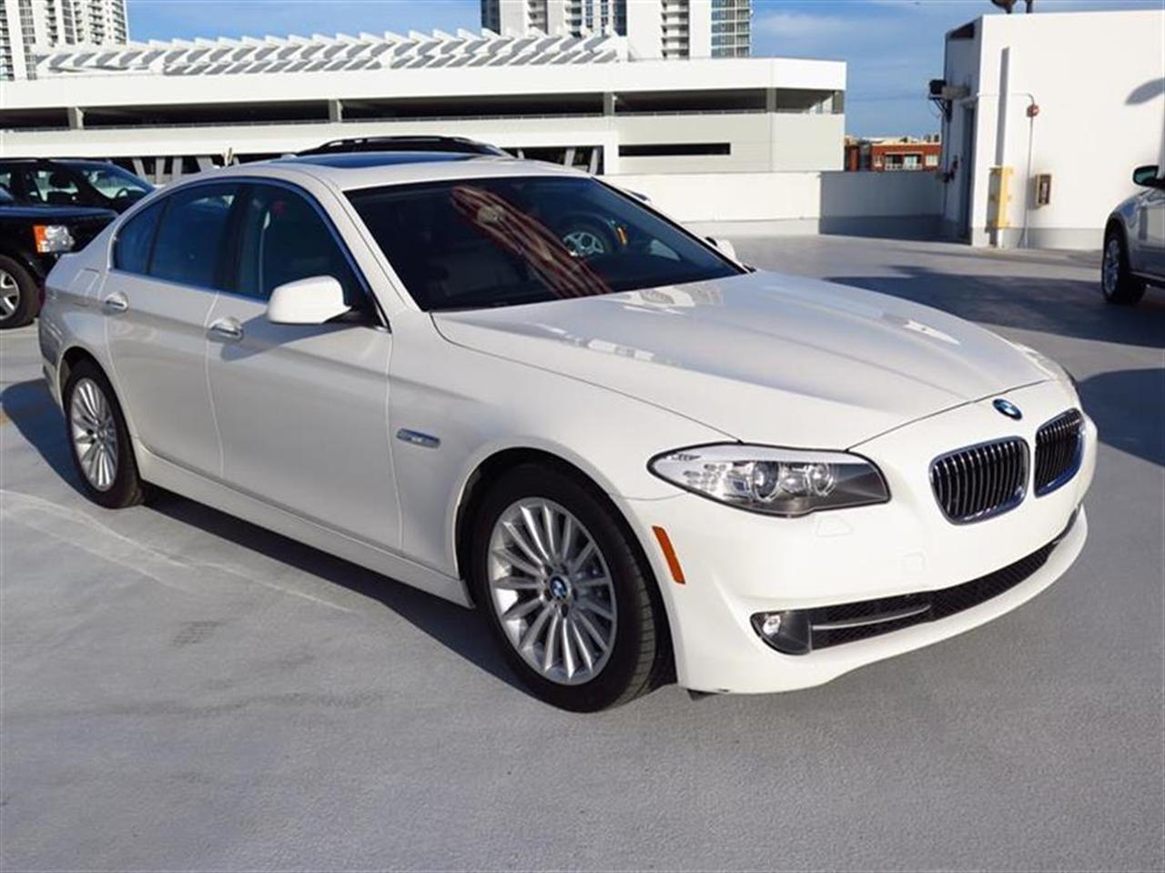 2013 BMW 5 SERIES 4dr Sdn 535i RWD 176310 miles 10-way power-adjustable front bucket seats -inc