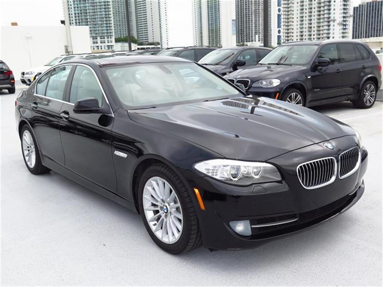 2012 BMW 5 SERIES 4dr Sdn 535i RWD 34287 miles 10-way power-adjustable front bucket seats -inc 4