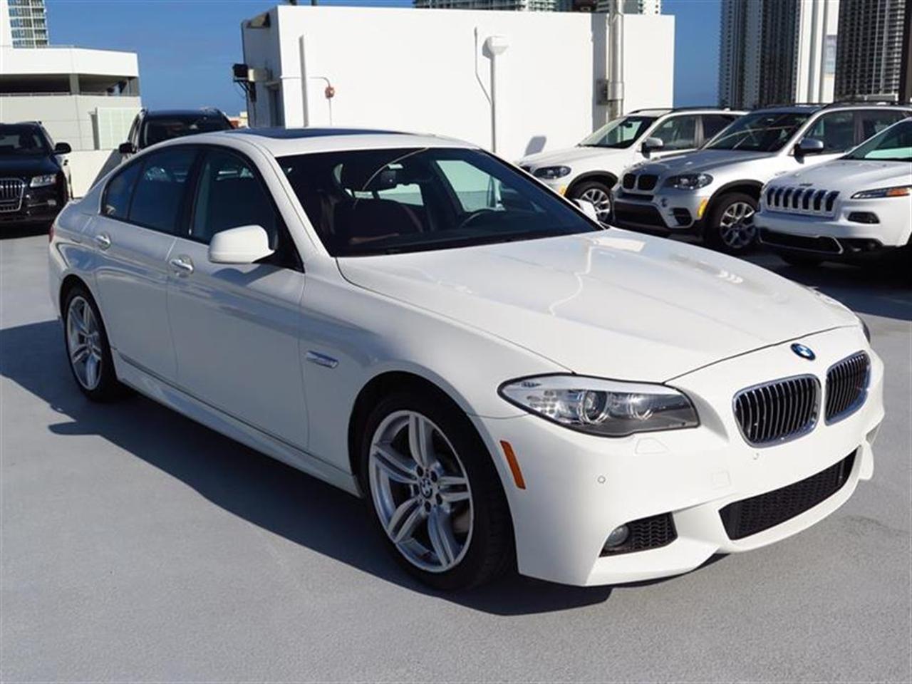 2012 BMW 5 SERIES 4dr Sdn 535i RWD 25398 miles VIN WBAFR7C54CC811462
