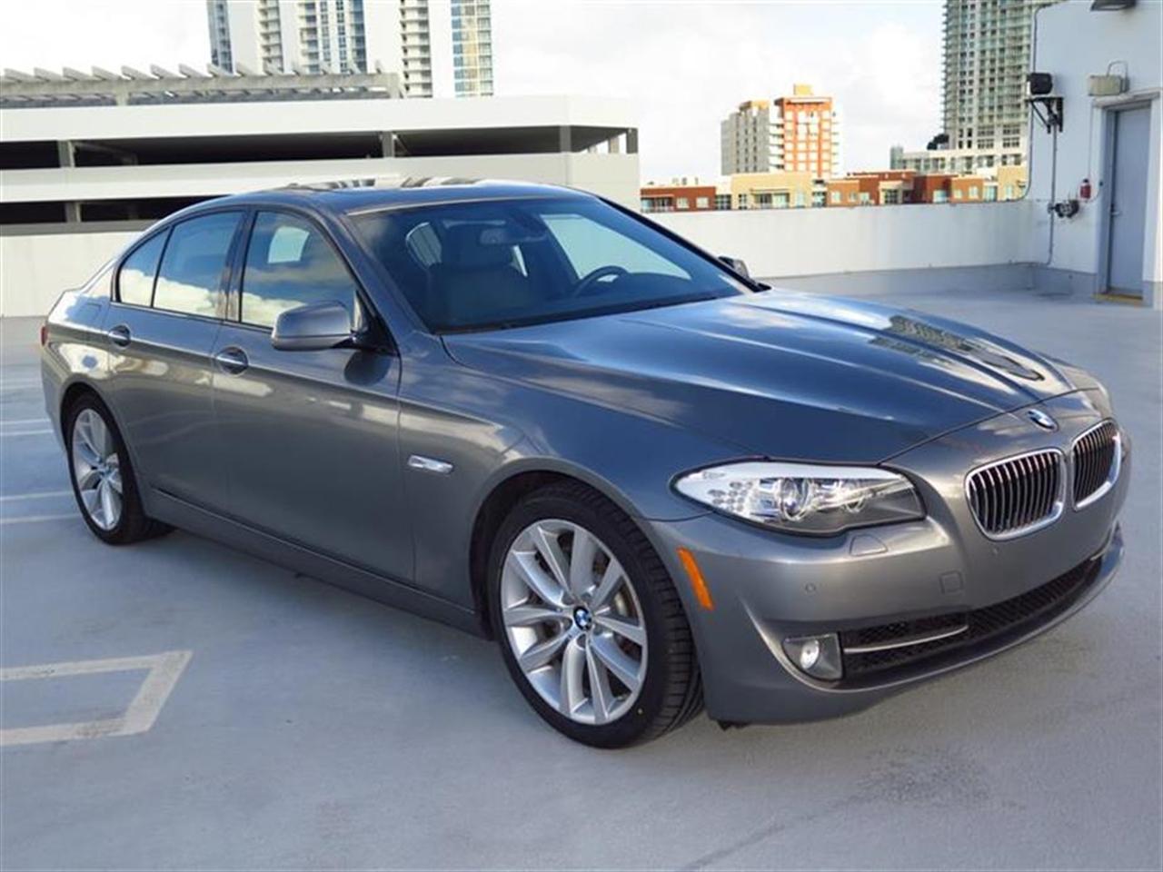 2012 BMW 5 SERIES 4dr Sdn 535i RWD 25693 miles 10-way power-adjustable front bucket seats -inc 4