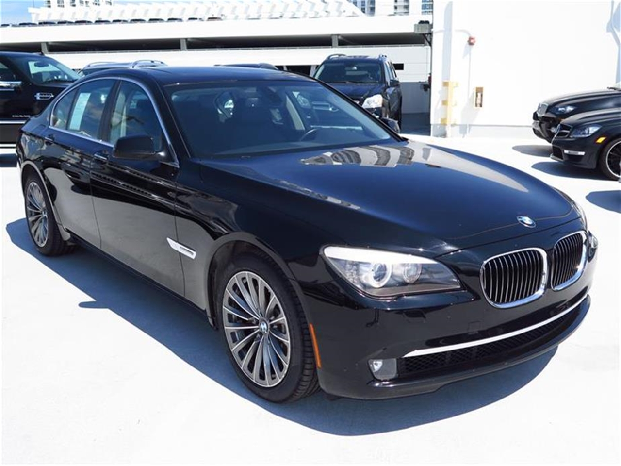 2012 BMW 7 SERIES 4dr Sdn 740i RWD 43218 miles 4-zone automatic climate control -inc draft-free