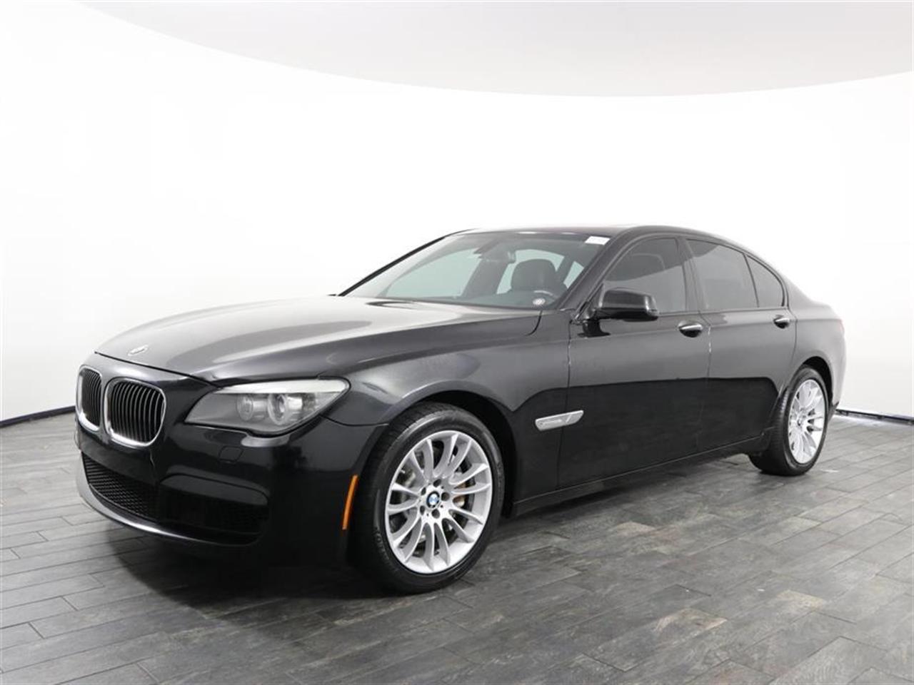 2012 BMW 7 SERIES 4dr Sdn 750i RWD 28093 miles VIN WBAKA8C58CDX01021