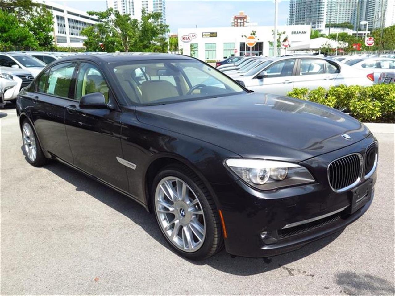 2012 BMW 7 SERIES 4dr Sdn 750Li RWD 27579 miles 4-zone automatic climate control -inc draft-free