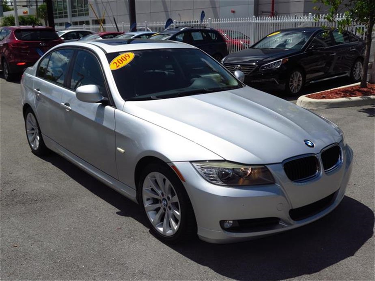 2009 BMW 328IS 4dr Sdn 328i RWD 47436 miles 3-spoke leather-wrapped tilttelescopic multi-functio
