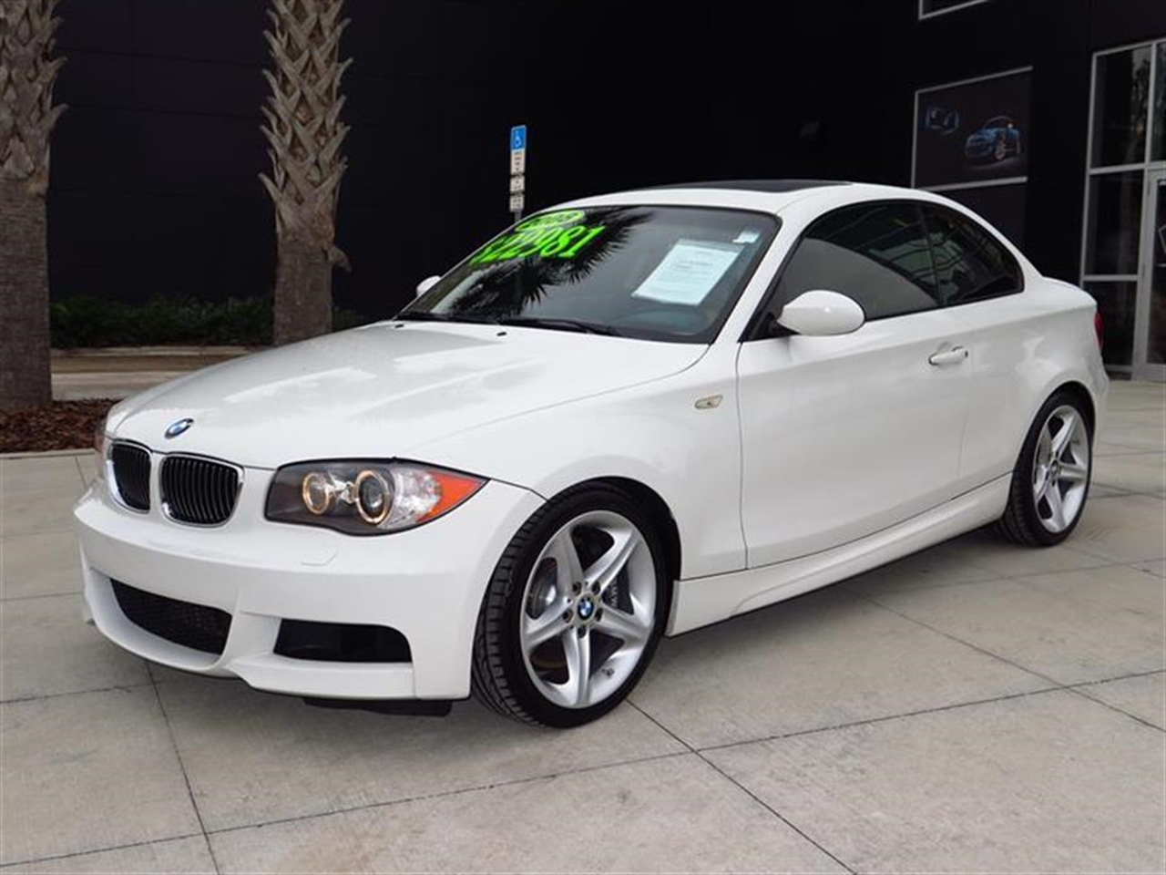 2008 BMW 1 SERIES 2dr Cpe 135i 77082 miles 3-channel FM diversity antenna 3-spoke leather-wrapped