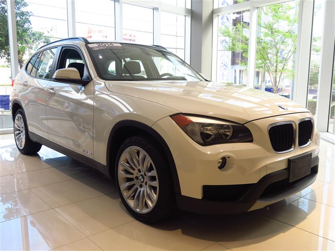 2014 BMW X1 AWD 4dr xDrive28i 6393 miles 2 Seatback Storage Pockets 3 12V DC Power Outlets LEATH