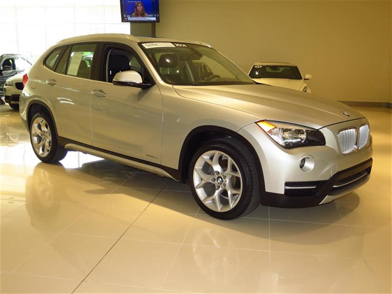 2014 BMW X1 RWD 4dr sDrive28i 10585 miles 2 Seatback Storage Pockets 3 12V DC Power Outlets LEA