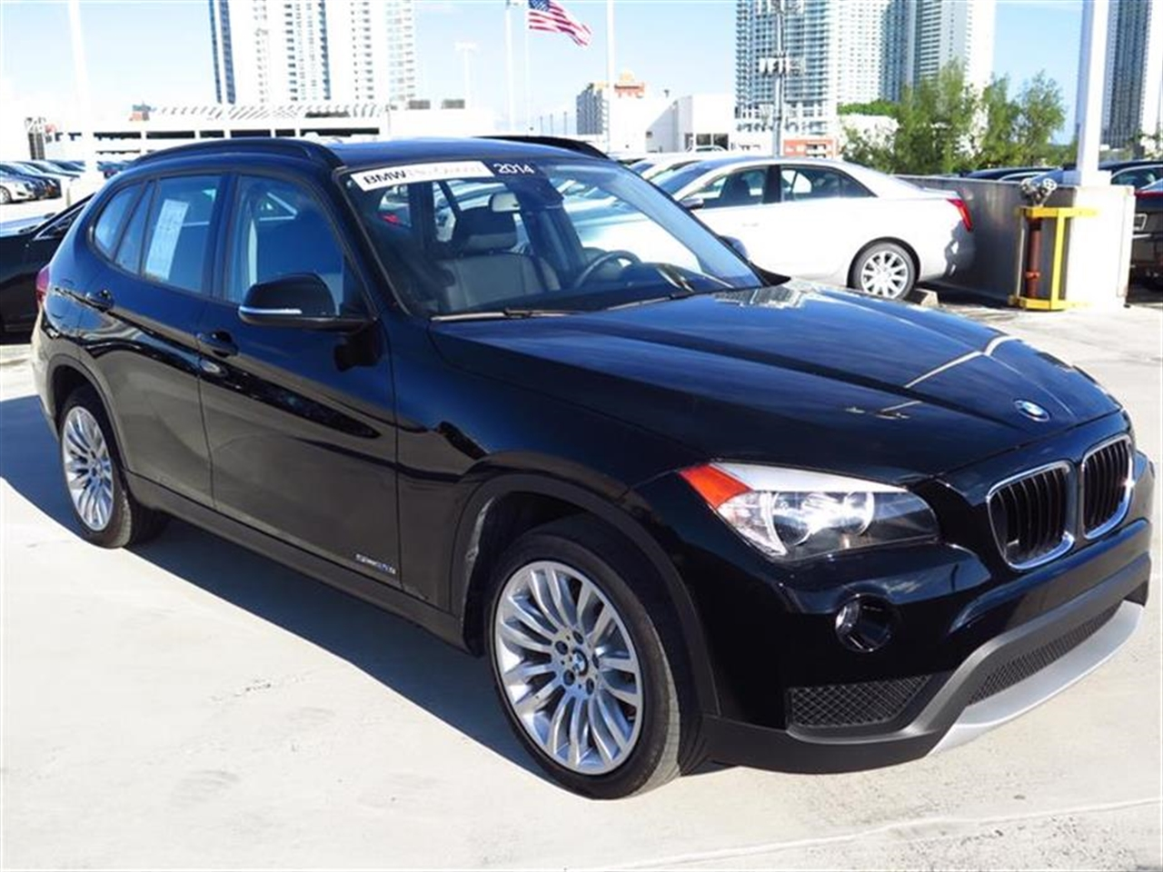 2014 BMW X1 RWD 4dr sDrive28i 7225 miles 2 Seatback Storage Pockets 3 12V DC Power Outlets LEATH