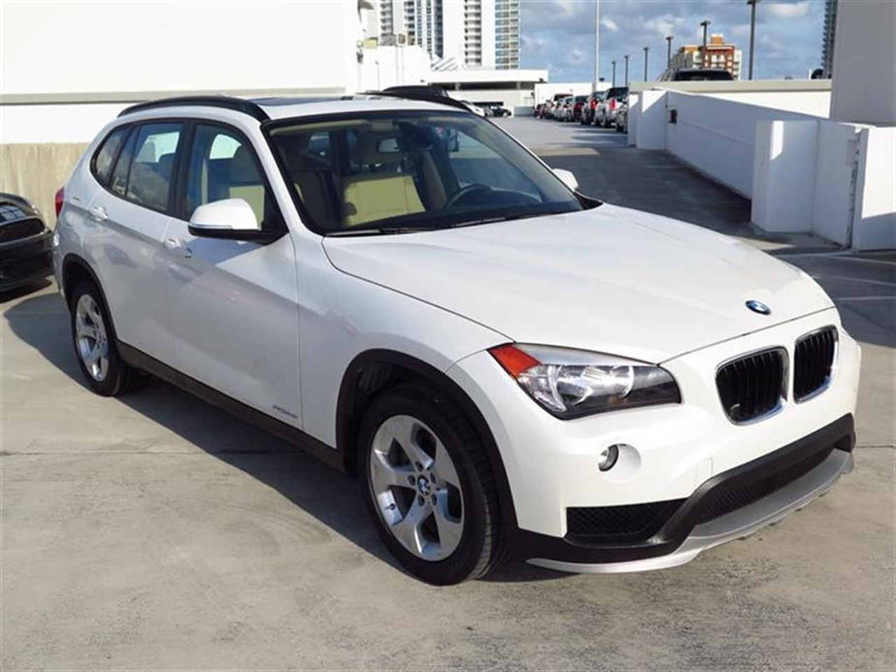 2015 BMW X1 RWD 4dr sDrive28i 10052 miles 2 Seatback Storage Pockets 3 12V DC Power Outlets LEAT