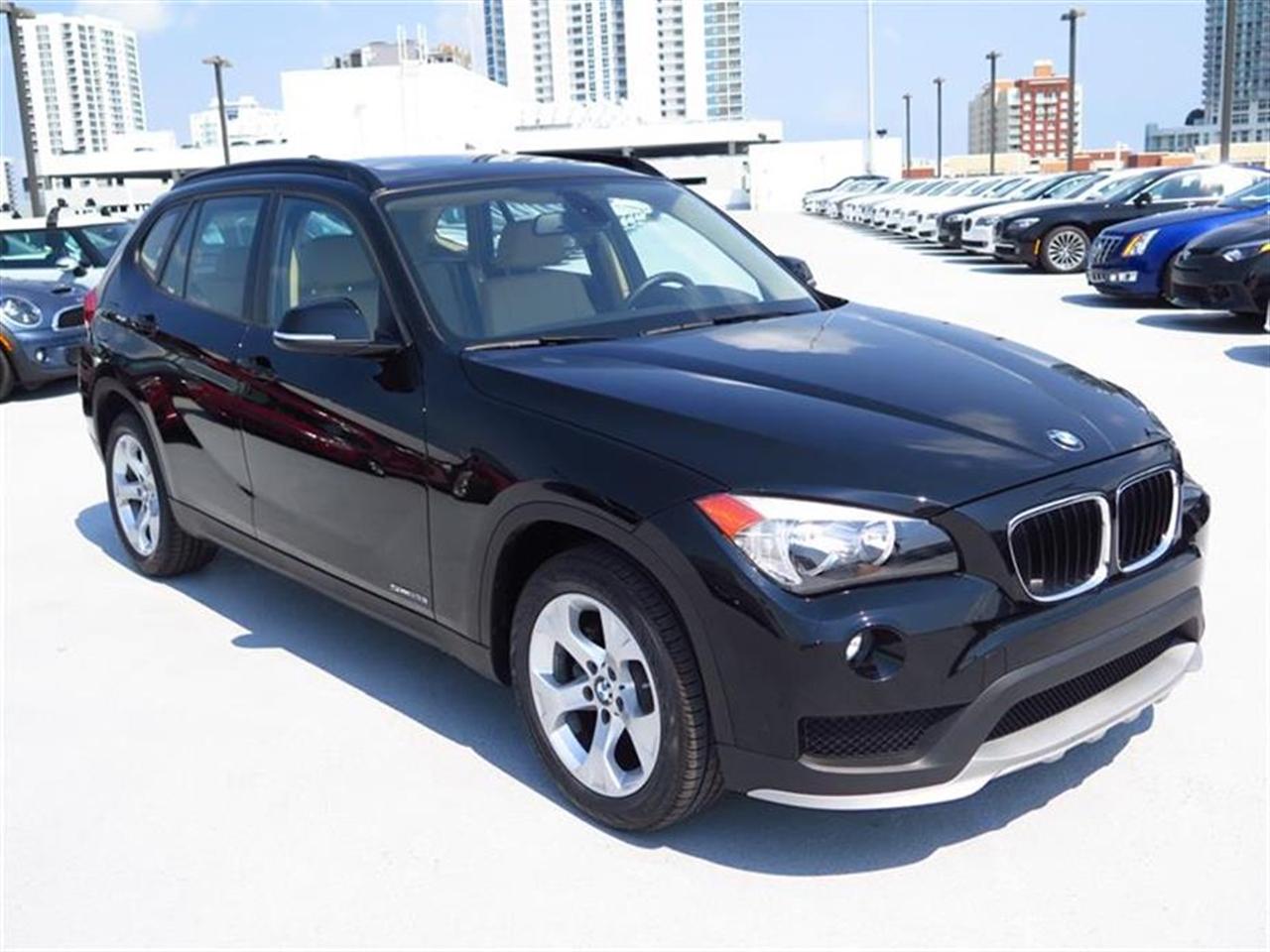 2015 BMW X1 RWD 4dr sDrive28i 14205 miles 2 Seatback Storage Pockets 3 12V DC Power Outlets 40-