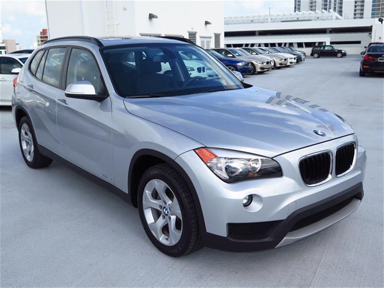 2014 BMW X1 RWD 4dr sDrive28i 9724 miles 2 Seatback Storage Pockets 3 12V DC Power Outlets LEATH