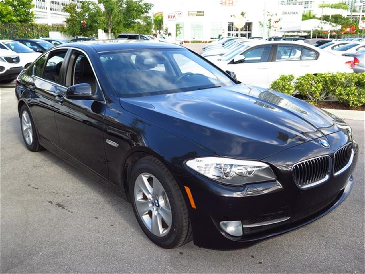 2012 BMW 5 SERIES 4dr Sdn 528i RWD 30971 miles 10-way power-adjustable front bucket seats -inc 4