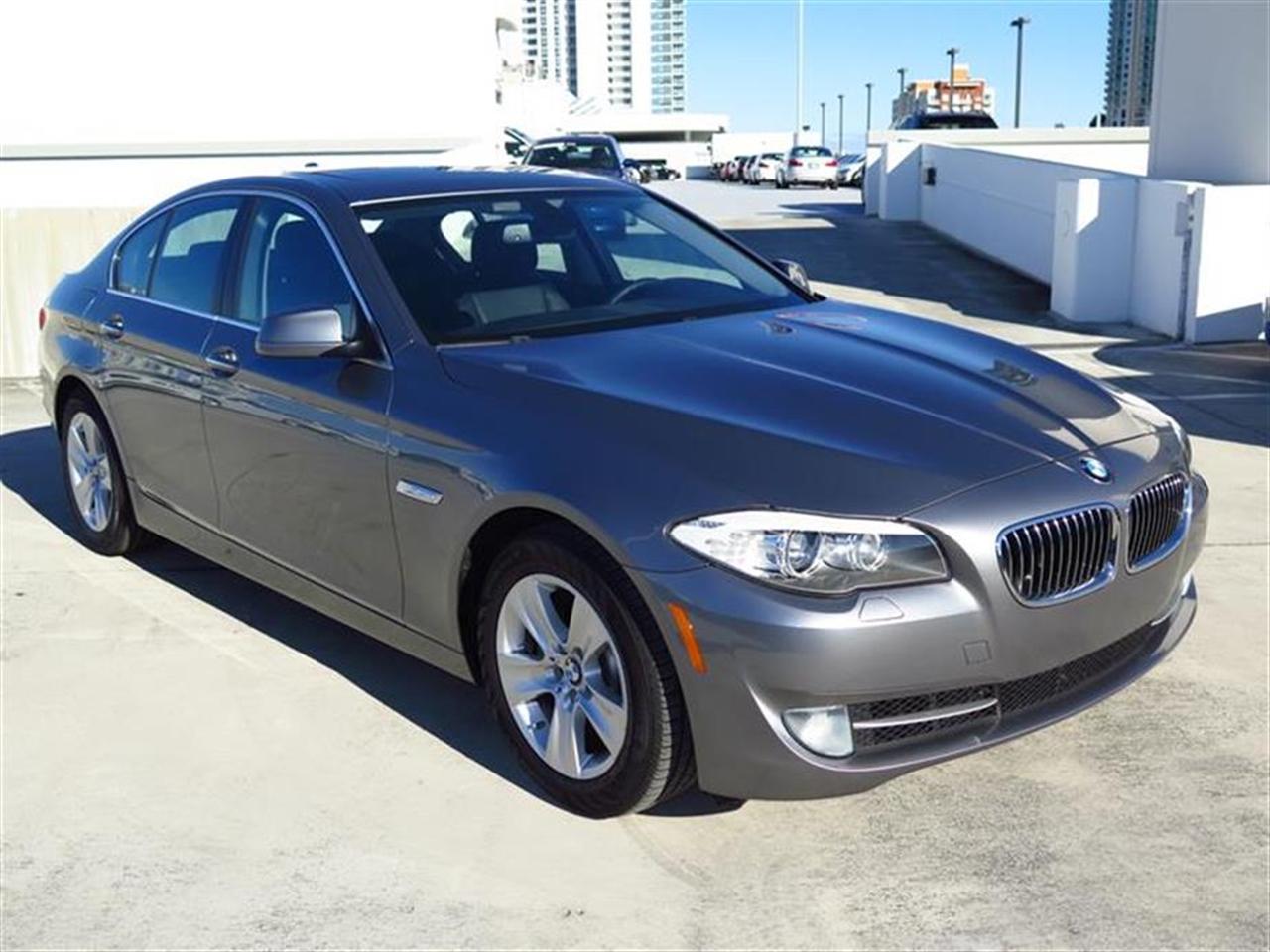 2012 BMW 5 SERIES 4dr Sdn 528i RWD 44953 miles 10-way power-adjustable front bucket seats -inc 4
