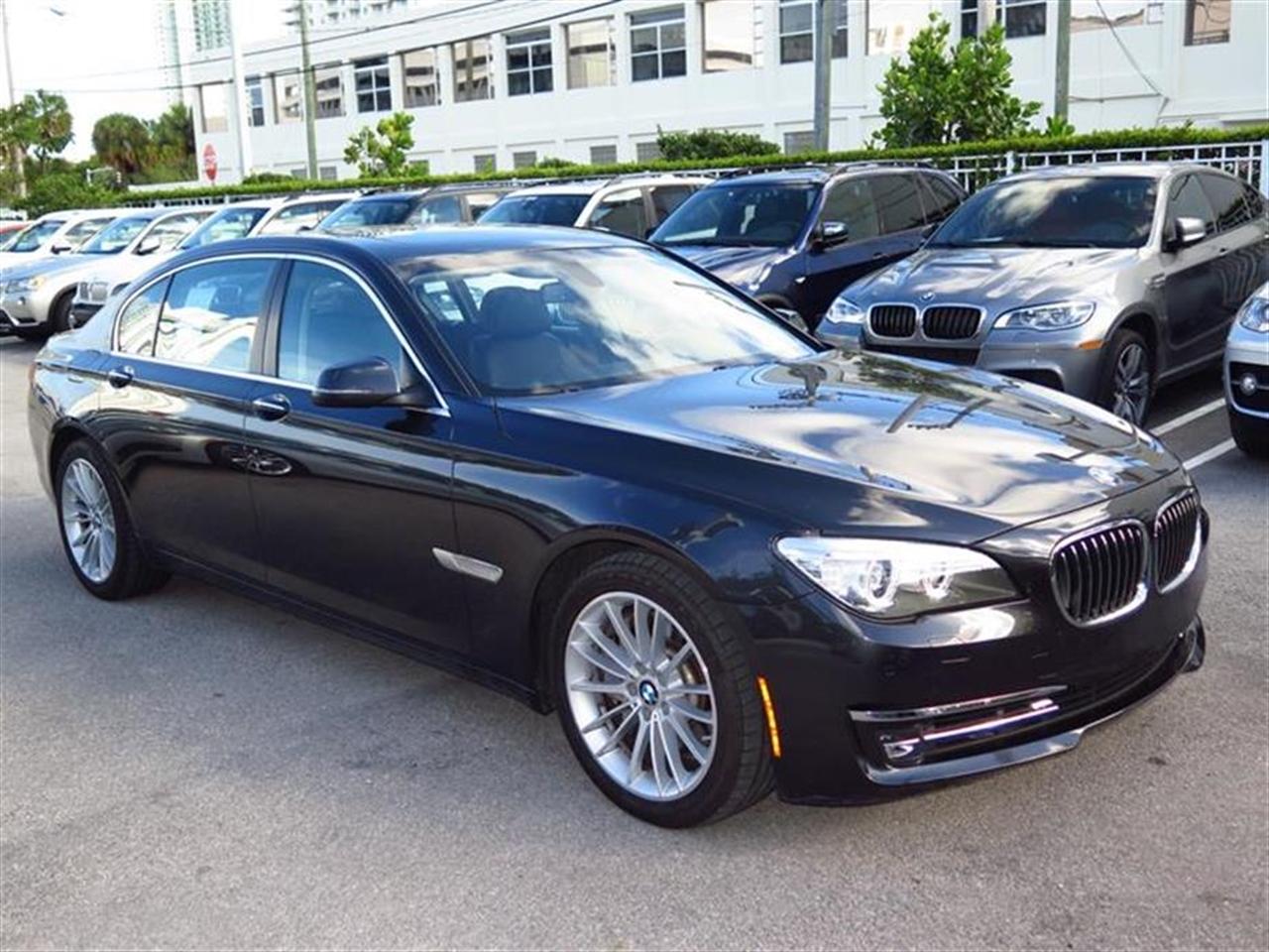 2013 BMW 7 SERIES 4dr Sdn 750Li RWD 37459 miles 4-zone automatic climate control -inc draft-free