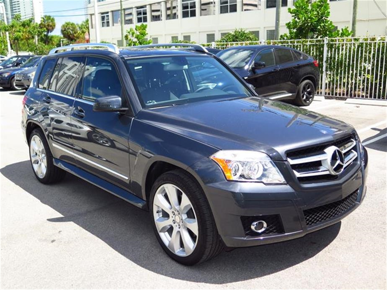 2010 Mercedes GLK-CLASS 4MATIC 4dr GLK350 32826 miles 8-way pwr front bucket seats wactive head