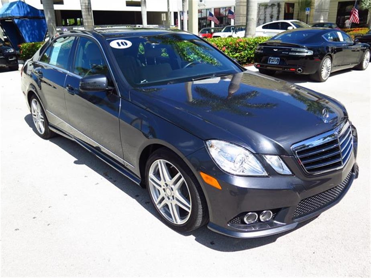 2010 Mercedes E-CLASS 4dr Sdn E550 Sport RWD 33380 miles 14-way pwr front bucket seats -inc 3-pos