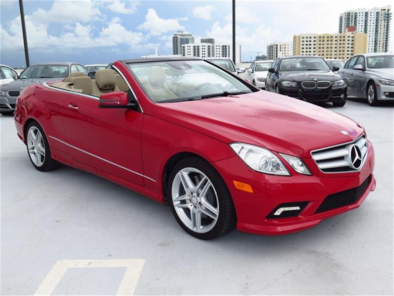 2011 Mercedes E-CLASS 2dr Cabriolet E550 RWD 30833 miles 14-way pwr front bucket seats -inc 3-pos