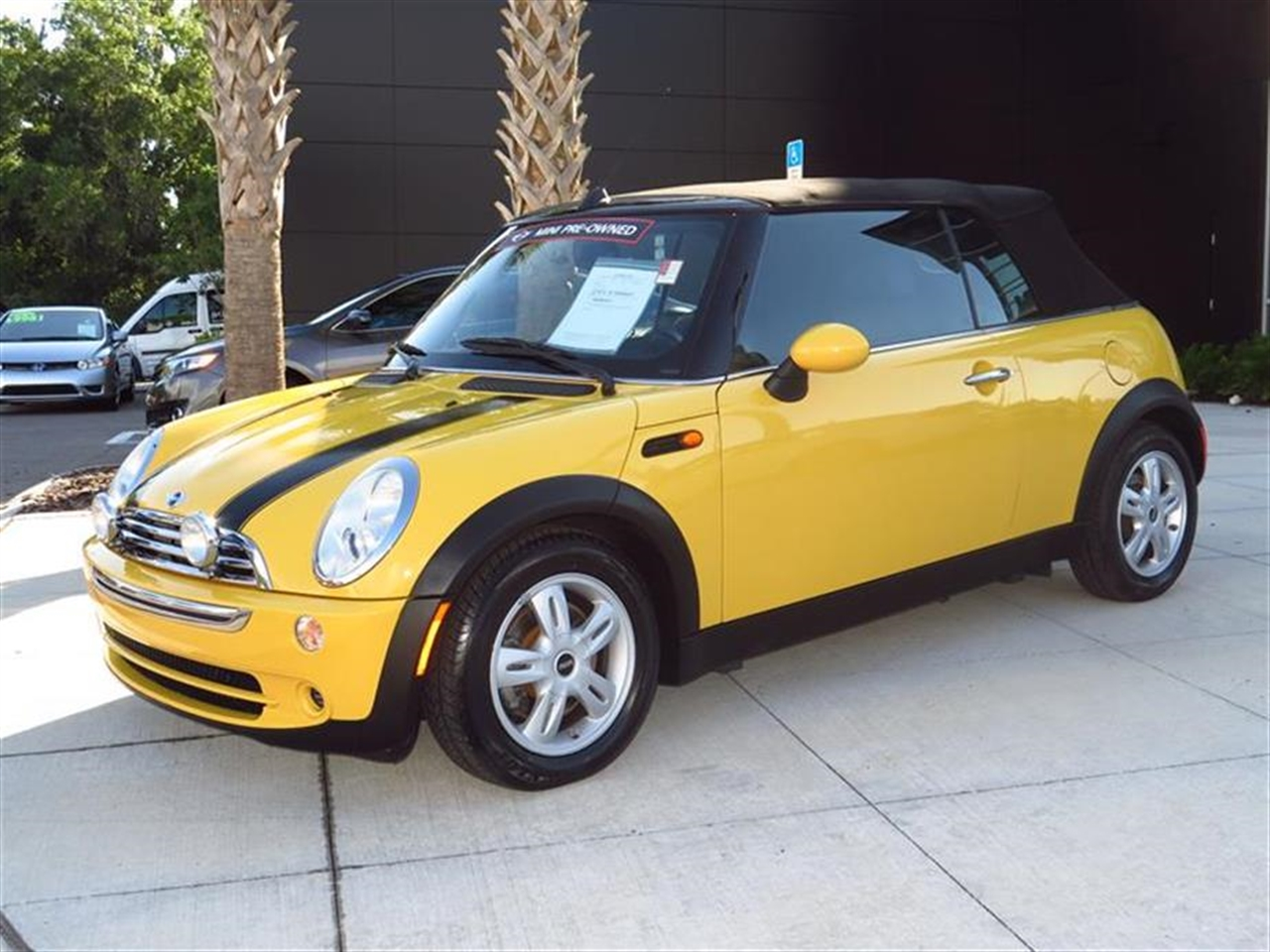 2008 MINI COOPER CONVERTIBLE 2dr 72643 miles 12V auxiliary pwr outlet in luggage compartment 505