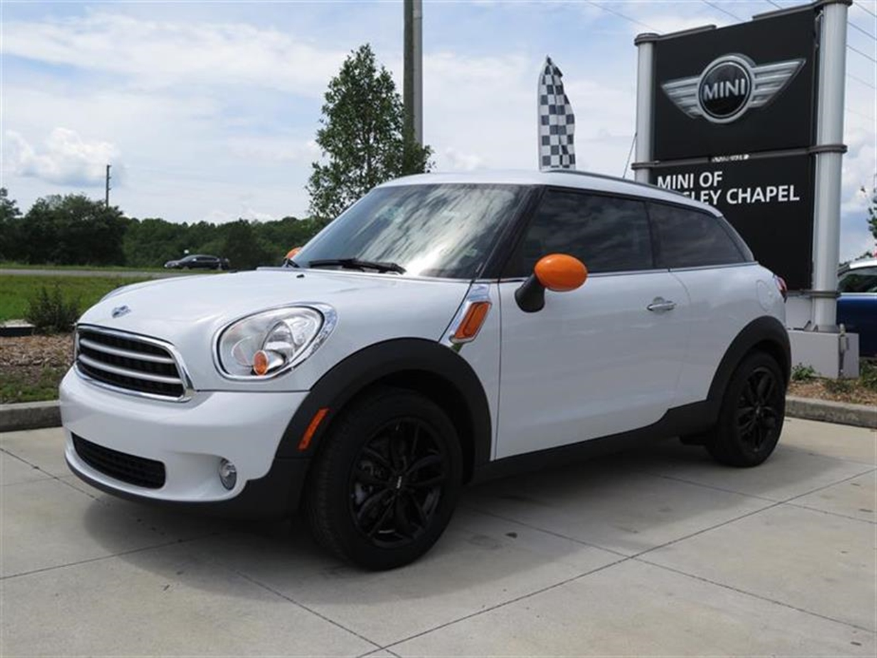 2014 MINI COOPER PACEMAN FWD 2dr 0 miles 2 Seatback Storage Pockets 3 12V DC Power Outlets 4 Per