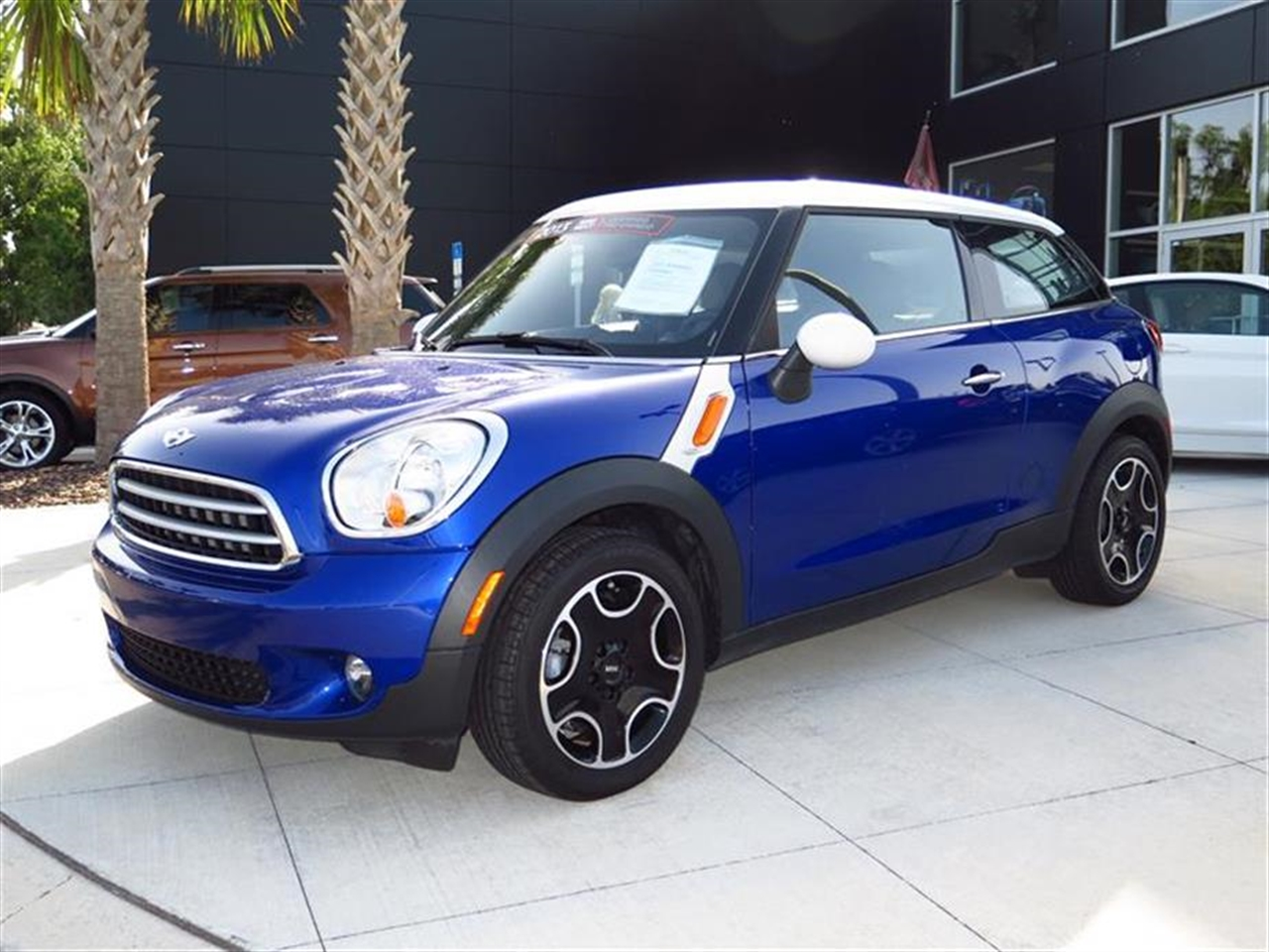 2013 MINI COOPER PACEMAN FWD 2dr 6971 miles 2 front cup holders 3 12V pwr outlets 2-piece ce