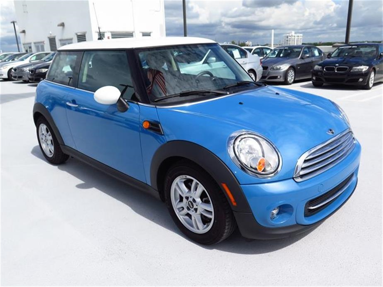 2013 MINI COOPER HARDTOP 2dr Cpe 10968 miles 1 rear cup holder 12V auxiliary pwr outlet in cock