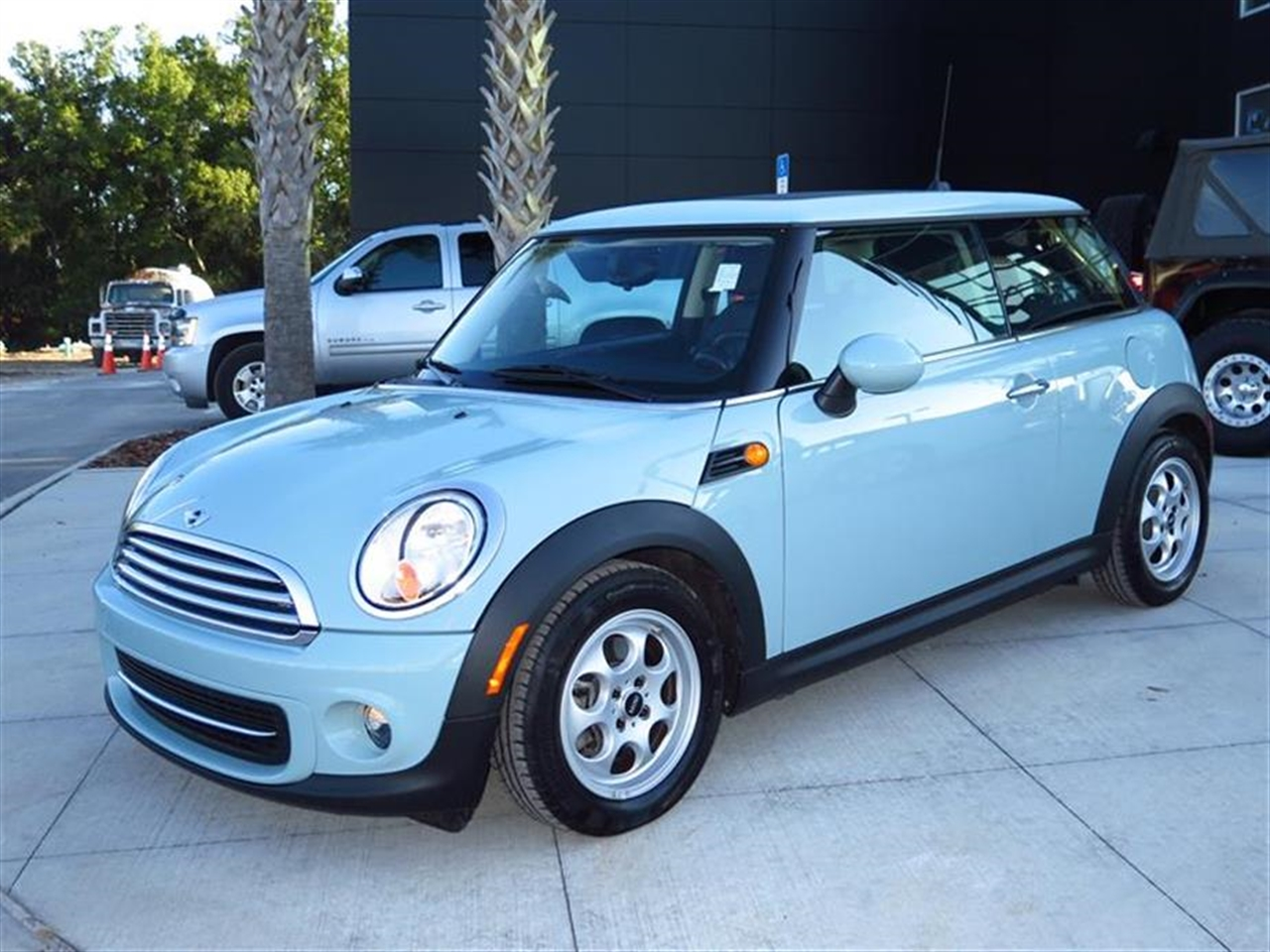 2012 MINI COOPER HARDTOP 2dr Cpe 13015 miles 1 rear cup holder 12V auxiliary pwr outlet in cock
