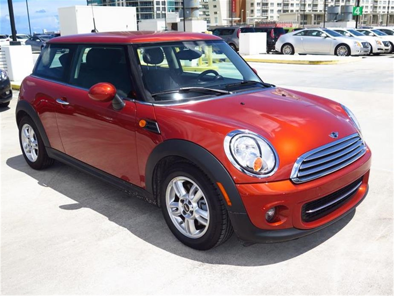 2013 MINI COOPER 2dr Cpe 12988 miles 1 rear cup holder 12V auxiliary pwr outlet in cockpit  lu