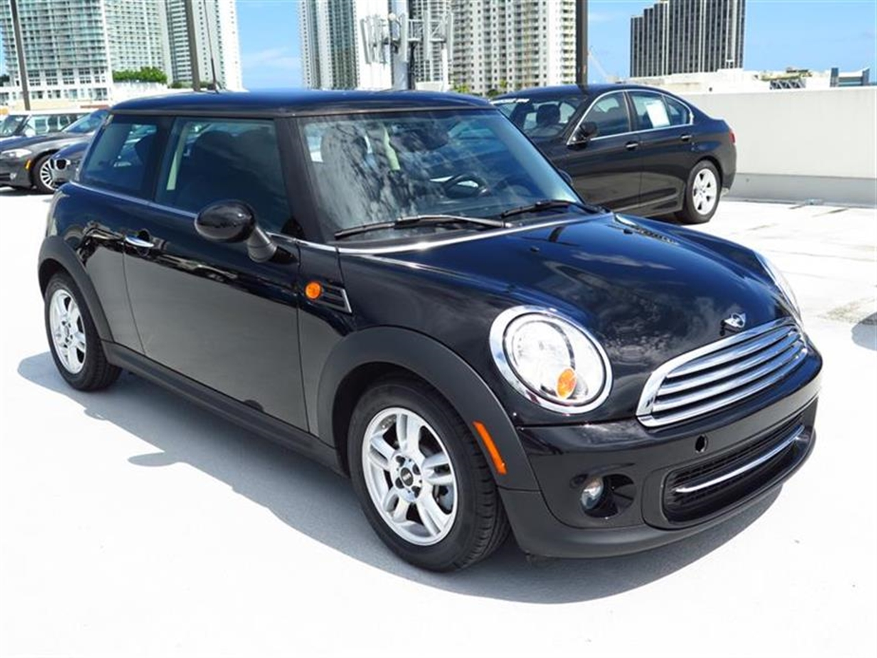 2013 MINI COOPER 2dr Cpe 13002 miles 1 rear cup holder 12V auxiliary pwr outlet in cockpit  lu