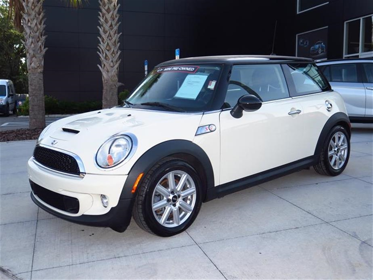 2012 MINI COOPER HARDTOP 2dr Cpe S 73793 miles 1 rear cup holder 12V auxiliary pwr outlet in co