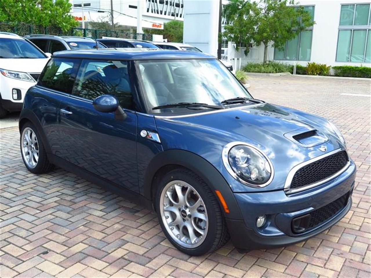 2011 MINI COOPER S 2dr Cpe S 38679 miles 1 rear cup holder 12V auxiliary pwr outlet in cockpit