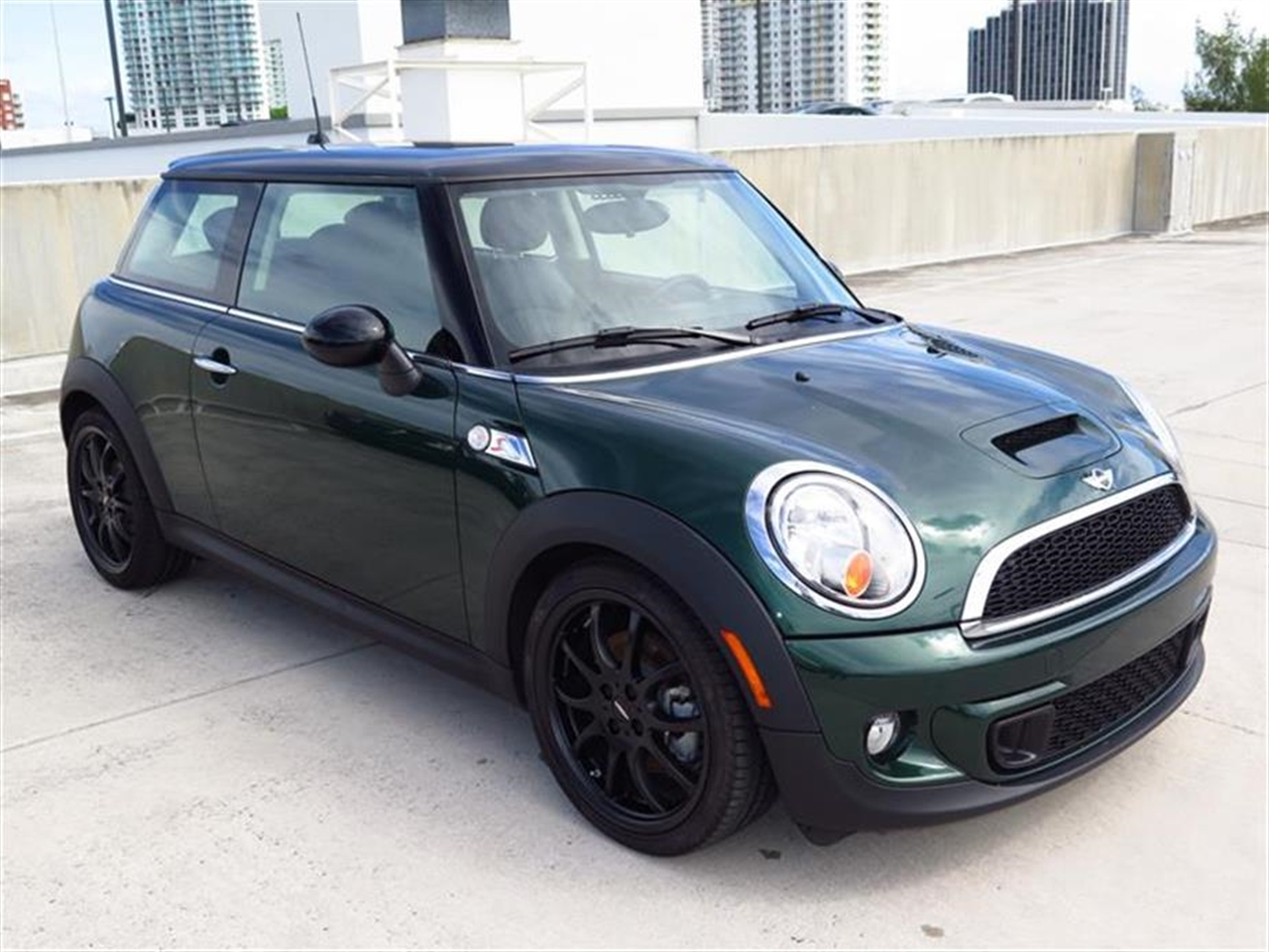 2013 MINI COOPER S 2dr Cpe S 8220 miles 1 rear cup holder 12V auxiliary pwr outlet in cockpit