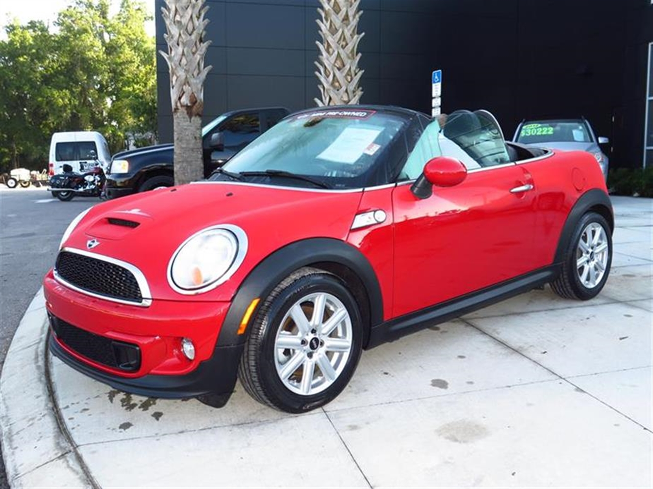 2013 MINI COOPER ROADSTER 2dr S 2541 miles 1 rear cup holder 2 12V pwr outlets Air condition