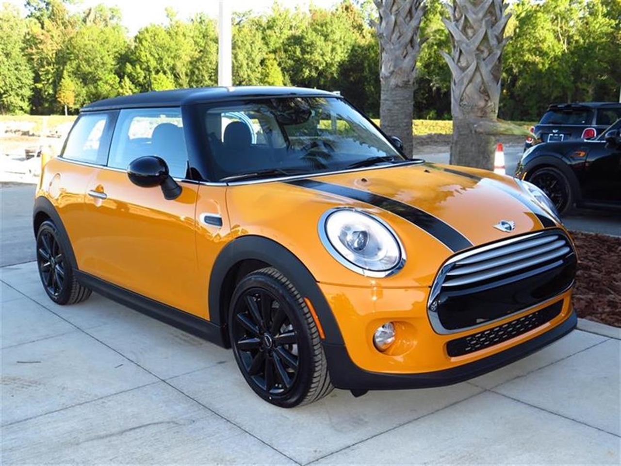 2015 MINI COOPER HARDTOP 2dr Cpe 0 miles 1 12V DC Power Outlet 2 Seatback Storage Pockets 4 Pers