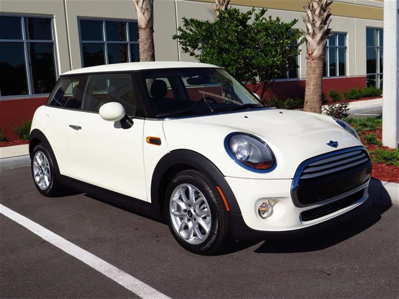 2015 MINI COOPER HARDTOP 2dr Cpe 5 miles 1 12V DC Power Outlet 2 Seatback Storage Pockets 4 Pers