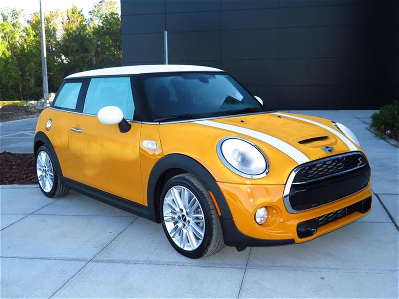 2015 MINI COOPER HARDTOP 2dr Cpe S 7 miles 1 12V DC Power Outlet 2 Seatback Storage Pockets 4 Pe