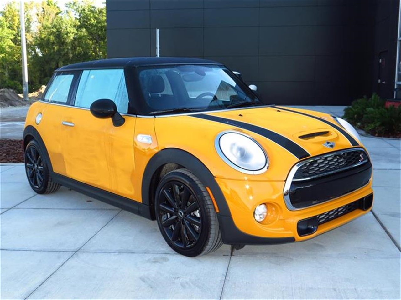 2015 MINI COOPER HARDTOP 2dr Cpe S 0 miles 1 12V DC Power Outlet 2 Seatback Storage Pockets 4 Pe