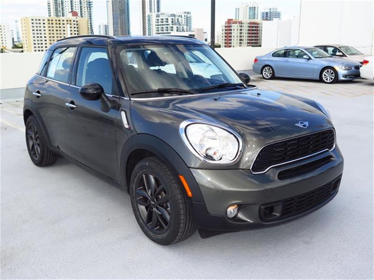 2014 MINI COOPER S COUNTRYMAN FWD 4dr S 14808 miles 2 Seatback Storage Pockets 3 12V DC Power Out
