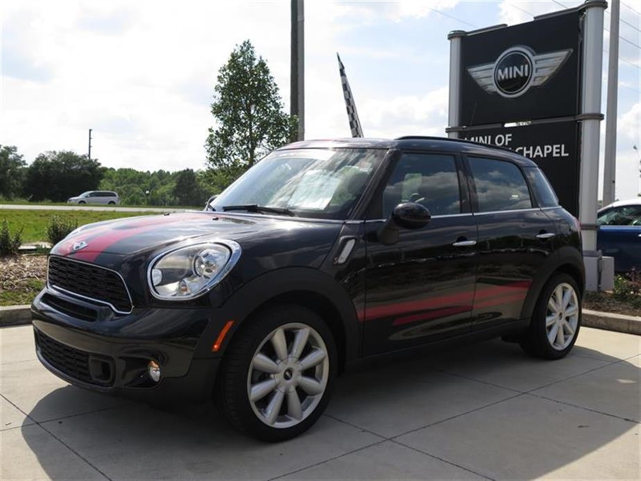 2014 MINI COOPER COUNTRYMAN FWD 4dr S 0 miles 2 Seatback Storage Pockets 3 12V DC Power Outlets