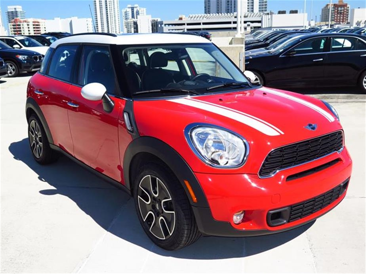 2012 MINI COOPER S COUNTRYMAN FWD 4dr S 12962 miles 2 front cup holders 3 12V pwr outlets 1-