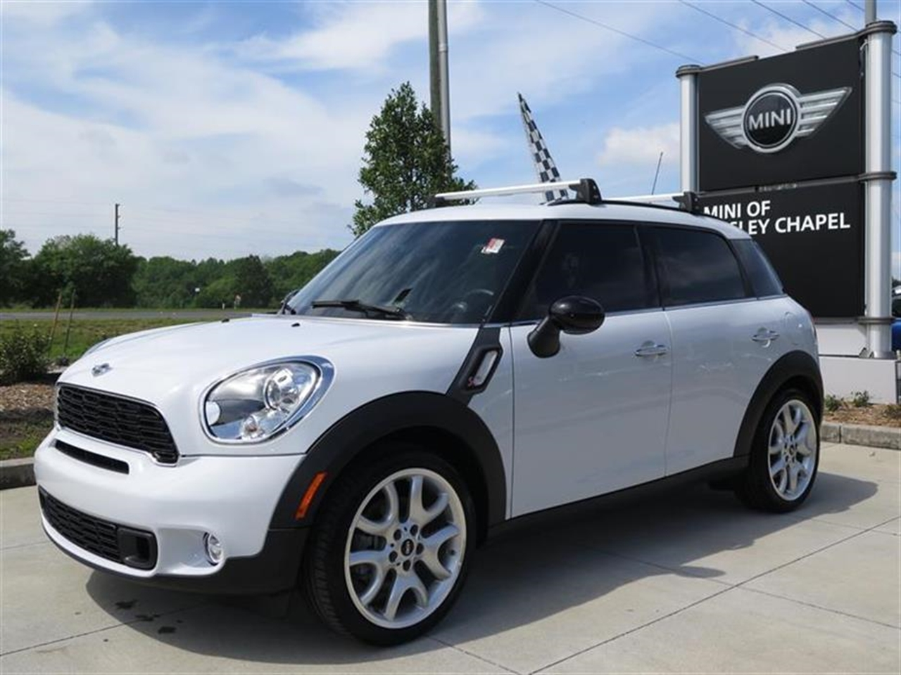2014 MINI COOPER COUNTRYMAN FWD 4dr S 6 miles 2 Seatback Storage Pockets 3 12V DC Power Outlets